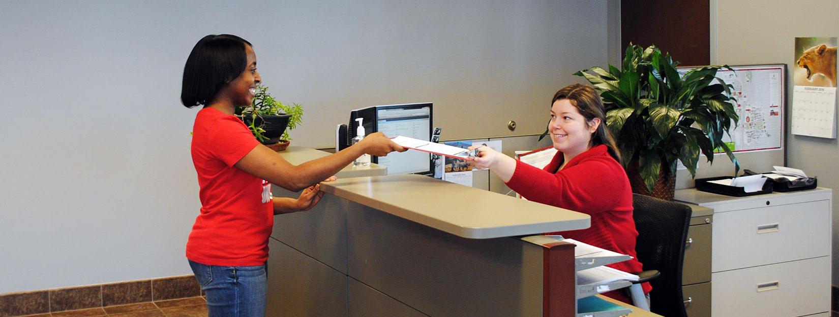 customer service representative helping an employee